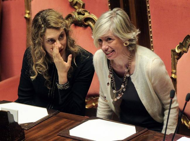 I ministri Madia e Giannini in aula al Senato